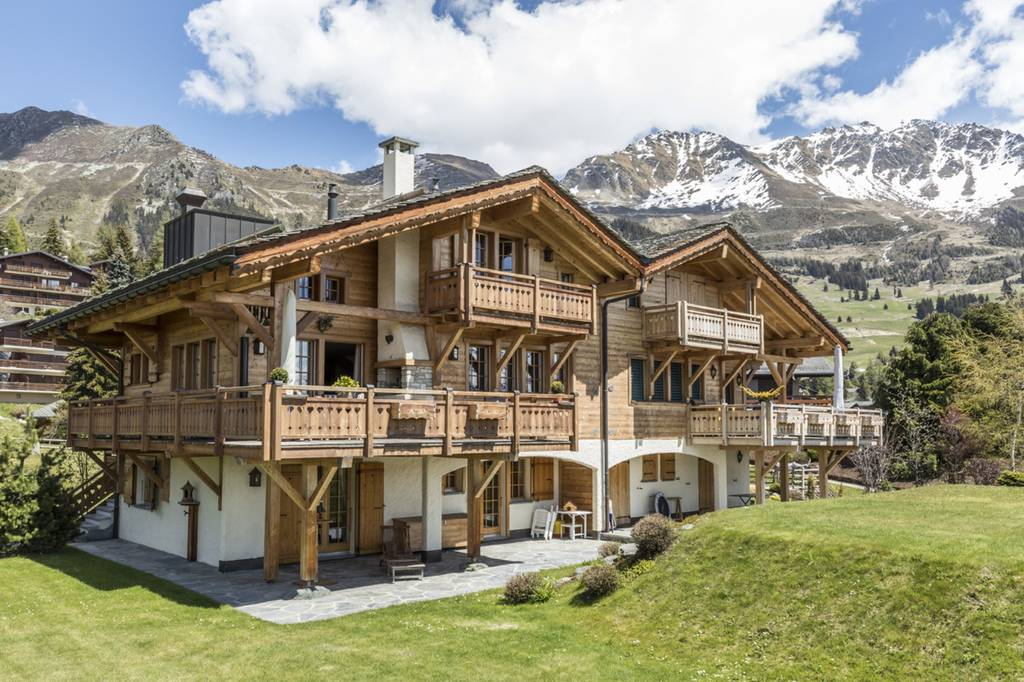 A chalet in Switzerland for $6 million or 606 Bitcoins.
